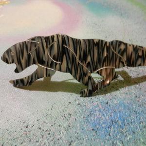 Contempo Vtg sleek cat panther hair clip barrette